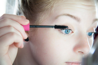 Øjenlågsoperation hos Bonnie Erichsen